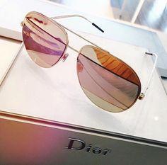 Preview dos lançamentos Dior para o próximo ano! #amei #oticaswanny #dior #lançamentos #news #2016 #eyewear #sunglasses #online #confira #clientewanny #semprenamoda