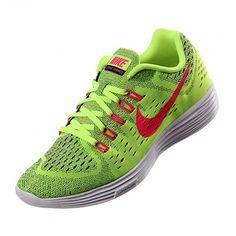 Equipado con la mejor tecnología, fabricados resitentes y ligeros, así son los tenis para correr #Nike Lunar Trainer. #Running