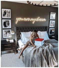 ¿Es gris un buen color para pintar un dormitorio? Bedroom Ideas ¿Es gris un buen color para pintar un dormitorio? Room Ideas Bedroom, Home Bedroom, Budget Bedroom, Paint Ideas For Bedroom, Bedroom Ideas For Small Rooms For Adults, Bedroom Sets, Apartment Bedroom Decor, Apartment Walls, Small Apartment Living