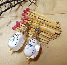 Christmas earrings with snowmen Christmas Earrings, Christmas Jewelry, Seasons Of The Year, Snowmen, Snowman
