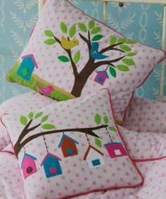 Applique pillow cushions.