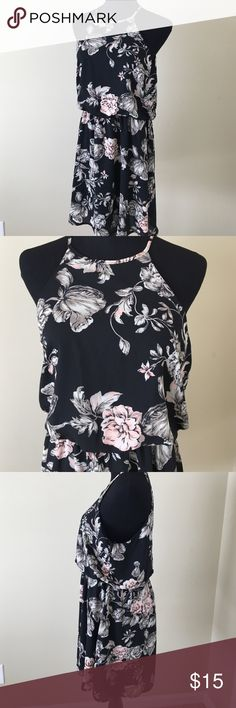 Floral dress size medium Floral dress by One ❤ Clothing • new without tags • size medium • price is firm Dresses