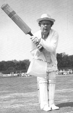 This week's Fab Photo comes from a dusty box in the loft. This is an unusual photo of Violet Carson in full cricket gear, complete with handbag, ready to batter the opposition 20th Century Women, Cricket, Loft, Black And White, Sports, Projects, Black White, Log Projects, Blanco Y Negro