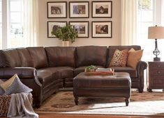 Stunning brown leather living room furniture ideas (48)