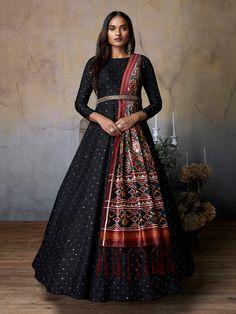 Anarkali Suits: Buy Latest Designer Anarkali Suits for Women Online - Kalki Fashion Indian Gowns Dresses, Indian Fashion Dresses, Dress Indian Style, Indian Designer Outfits, Black Indian Gown, Indian Designers, Long Gown Dress, Lehnga Dress, The Dress