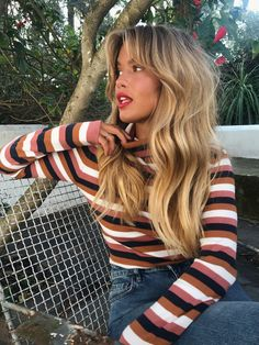 Wavy hair with bangs and volume Welliges Haar mit Pony und Volumen Blonde Hair Looks, Brown Blonde Hair, Hairstyles With Bangs, Cool Hairstyles, Volume Hairstyles, Volume Haircut, Fringe Hairstyles, Straight Hairstyles, Hair Inspo