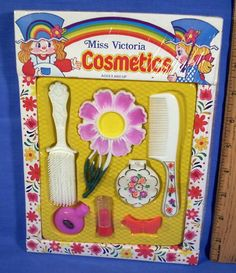 Loved little dimestore toys like this vanity set