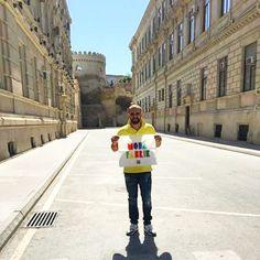 Kameralarımız #Azerbaijan 'ın başkenti #Bakü 'ye dönüyor, ve @anlaydn bey'in muhteşem #Bayrakritueli ile karşılaşıyoruz. Türkiye ve dünya'nın bütün şehirlerini gezen, paylaştıkça kazandıran tek bayrak ➡️www.modafabrik.com⬅️ #modafabrik #modafabrikheryerde  #azerbaycan #kampanya #alışverişyapın #bayrağıpaylaş #hediyekazan #summer #summer2015 #summercolors #anılaydın #reklam #türkiye #pazarlar #keyiflipazarlar