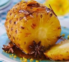 Portuguese Roasted Pineapple with Cinnamon - Easy Ethnic Recipes Fruit Recipes, Sweet Recipes, Cooking Recipes, Healthy Recipes, Dessert Recipes, Roasted Pineapple, Good Food, Yummy Food, Cinnamon Recipes