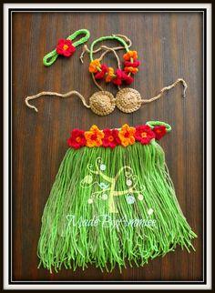 Crochet Girls Hula Set, Crochet Baby Hawaiian Outfit, Girls Grass Skirt, Coconut Bikini Top, Hawaiian Lai, Crochet Luau Outfit