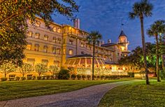 Discover the Jekyll Island Club Resort, a treasured historic hotel with modern amenities, featuring beautiful beaches, bike paths, history tours and family activities on one of Georgia's Golden Isles. Georgia Beach Resorts, Georgia Beaches, Winter Wonderland Dates, Jekyll Island Club Hotel, Jekyll Island Georgia, Southern Christmas, Haunted Hotel, The Night Before Christmas, Christmas Holidays