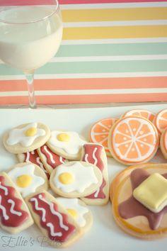 http://elliesbitesdecoratedcookies.files.wordpress.com/2012/04/picmonkeypancakes2.jpg