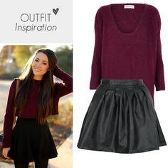 Onze lievelings combinatie van deze winter is de warme burgundy jumper met een speelse skater skirt.
