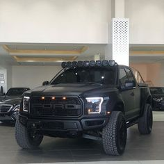 ▪▪ For Sale ▪▪ ____ ____ ____ ____ ____ ____ Ford Raptor Liter Twin turbo 450 HP in seconds automatic transmission Photo 📸 by Ford F150 Raptor, Jeep Camping, Car Goals, Cafe Racer Motorcycle, Lifted Ford Trucks, Twin Turbo, Sexy Cars, Automatic Transmission, Sport Cars