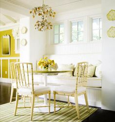 Banquette b/w kitchen and family room