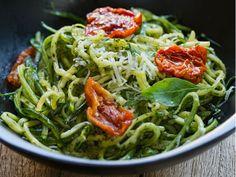 Spaghetti, Pesto, Ethnic Recipes, Food, Spices, Zuchinni Noodles, Noodle Recipes, Health Tips, Cook