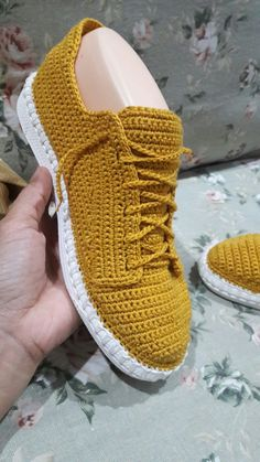 Discover thousands of images about Shoe soles.Rubber TR flexible, shoes from skin, felt and knitted, size Crochet Boots Pattern, Shoe Pattern, Crochet Slippers, Crochet Patterns, Knit Shoes, Sock Shoes, Diy Crochet, Crochet Baby, Crochet Sandals