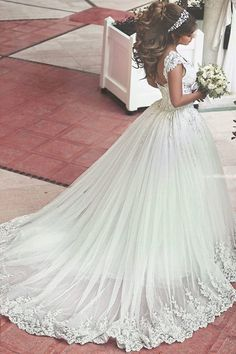 <3 Wedding Dress of The Day <3 Would you wear this stunning dress?