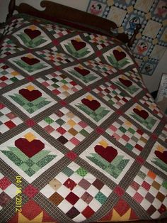 Looking for quilting project inspiration? Check out Heart Blossoms by member emthep. Girls Quilts, Baby Quilts, Heart Quilts, Heart Quilt Pattern, Barn Quilt Patterns, Quilting Projects, Quilting Designs, Flower Quilts, Quilted Wall Hangings