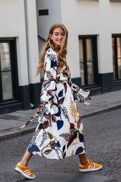 The Top Fall Trends in 6 Cool Outfits - - Best fall outfit ideas fall florals – floral midi dress with yellow adidas Source by juryclothing Mode Outfits, Fall Outfits, Casual Outfits, Fashion Outfits, Womens Fashion, Dress Fashion, Dress Casual, Skirt Outfits, Ladies Fashion