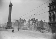 The 1916 Rising was an insurrection in Dublin Ireland which occurred on Easter Monday Members of the Irish Volunteers, Irish Citizen Army and Cumann na. Ireland 1916, Dublin Ireland, Irish Independence, Photo Engraving, Dublin City, Republic Of Ireland, England And Scotland, Northern Ireland, Old Photos