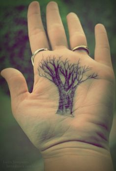 My story has a tree and palm reading in it. Art Movies, Palm Reading, Unique Trees, Palmistry, Beautiful Body, I Tattoo, Tattoo Artists, Tarot, We Heart It