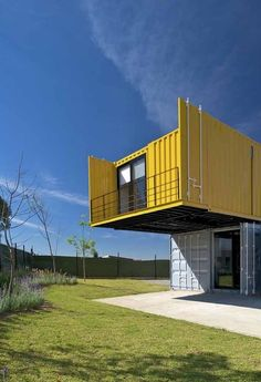 Looking for how to renovate shipping container into house, Shop, Garage or Workshop? Here are extensive shipping Container Houses Ideas for you! shipping container homes Prefab Shipping Container Homes, Shipping Container Home Designs, Container House Design, Shipping Containers, Container Architecture, Container Buildings, Container Houses, Container Conversions, Building A Container Home