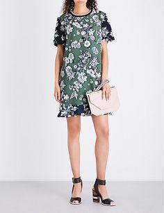 040024650f901f TED BAKER Floral-print frill-hem satin dress Ted Baker Womens