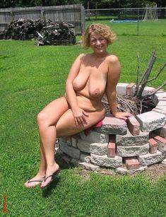 Older Nudist Saggy Mom Older Women Big Naturals Meat Beautiful Curvy