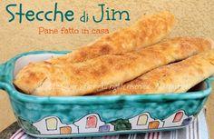 Stecche di Jim pane fatto in casa senza impasto con lievito madre o lievito di birra.Profumato,digeribile,crostina croccante,mollica soffice e ben alveolata