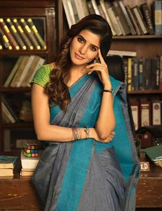 Samantha walked right into our hearts when she first showed up in a saree in Ye Maya Chesave. Today, let's look at this diva's traditional looks and take some saree inspiration. Read on to check out the 15 best photos of Samantha in a saree. Gals Photos, Photos Hd, Samantha In Saree, Samantha Ruth, Most Beautiful Indian Actress, Beautiful Actresses, Samantha Marriage, Samantha Images, Modern Saree