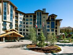Mammoth Lakes (CA) The Westin Monache Resort Mammoth United States, North America The Westin Monache Resort Mammoth is a popular choice amongst travelers in Mammoth Lakes (CA), whether exploring or just passing through. The hotel offers a wide range of amenities and perks to ensure you have a great time. All the necessary facilities, including 24-hour front desk, facilities for disabled guests, luggage storage, Wi-Fi in public areas, valet parking, are at hand. Some of the wel...