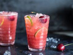 Sommerliche Kirsch-Limonade mit Ahornsirup und Limetten