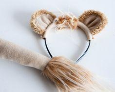 Löwen-Kostüm, Löwe Ohren und Schweif des Löwen, für Kinder oder Erwachsene Foto Prop, Cosplay, Rollenspiel Löwen-Kostüm bestehend aus Ohren Haarreif und Schweif von polar-Fleece-Stoff und Kunstpelz Akzente gemacht. Die Ohren sind auf eine Kunststoff Diadem Tiara eingefügt. Löst sich leicht zum