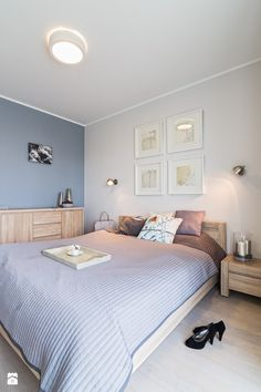 blue-gray wall paint and bedroom furniture in light wood - Bedroom Ideas 2019 Small Room Bedroom, Wood Bedroom, Bedroom Furniture, Home Furniture, Bedroom Decor, Bedroom Ideas, Blue Grey Walls, Blue Gray Bedroom, Gray Painted Walls