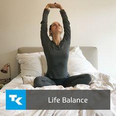 """Im Alltag begegnen uns häufig #Stress und #Hektik. Hinzu kommt der Herbst-Winter-Blues – die Tage werden kürzer, die Sonnenstunden geringer und wir fühlen uns einfach #müde und #erschöpft. Um Abhilfe zu schaffen und Körper und Seele wieder in Einklang zu bringen, haben wir hier ein paar #Yoga-Übungen für Euch, mit denen Ihr Eure ganz persönliche """"Life #Balance"""" finden könnt. Life Balance, Bean Bag Chair, Meditation, Stress, Stretching, Sports, Challenges, Health And Fitness, Fall Winter"""