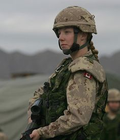 Female Soldier Photos – Girl Photography Inspirations Part Canadian Soldiers, Canadian Army, Military Girl, Military Police, Military Women, Military History, Female Soldier, Before Us, Special Forces