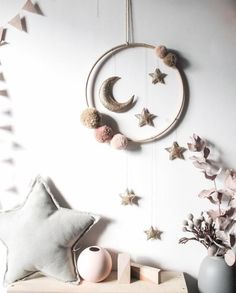 Moon Nursery, Star Nursery, Nursery Crafts, Diy Nursery Decor, Diy Crafts Room Decor, Nursery Mobiles, Nursery Art, Felt Crafts, Diy And Crafts