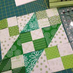 Spun Sugar Quilts: Jacob's Ladder Sew Along - Feeling Lucky ;)