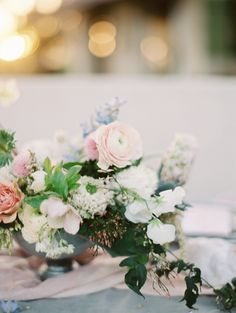 Charleston Pantone 2016 Inspiration on Style Me Pretty. Floral: The Southern Table | Planning + Design: Birds of A Feather | Photo: Charla Storey Photography |