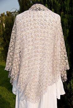 Beautiful Shawl - Click on pic for Ravelry or this link for the lion brand link http://www.lionbrand.com/patterns/90489AD.html