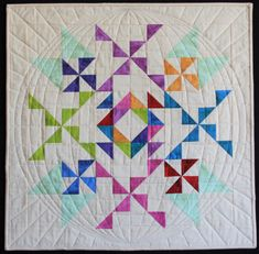Christopher Thompson, How To Finish A Quilt, Tablerunners, Fat Quarter Shop, Free Motion Quilting, Quilt Top, Baby Quilts, Quilt Patterns, Free Pattern