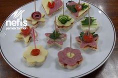 Open Faced Tea Sandwiches (picture only) Yummy Recipes, Yummy Food, Fancy Recipes, Holiday Snacks, Party Snacks, Sandwich Pictures, Tea Party Sandwiches, Wedding Buffet Food, Food Garnishes