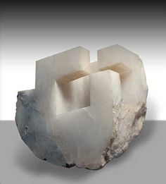 Eduardo Chillida Raji RM Interior Design Washington DC-j Art Sculpture, Stone Sculpture, Abstract Sculpture, Contemporary Sculpture, Contemporary Art, Plastic Art, Land Art, Installation Art, Geometric Shapes