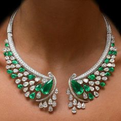 """3,573 Likes, 38 Comments - Barirah (@barirahmaddi) on Instagram: """"Love it or Not ???OMG! Gorgeous Diamond EMERALD necklace . . DM for Page PROMOTION .…"""""""