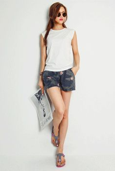 Today's Hot Pick :Round Neck Sleeveless Shirt http://fashionstylep.com/SFSELFAA0002019/happy745kren/out High quality Korean fashion direct from our design studio in South Korea! We offer competitive pricing and guaranteed quality products. If you have any questions about sizing feel free to contact us any time and we can provide detailed measurements.