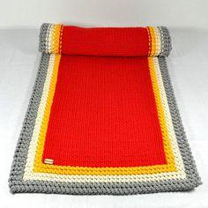 Bieżnik w potrójnej ramce #kociafabryka #sznurekbawełniany #cottoncord #rękodzieło #handmade #artwork #druty #knitting #homedecor #tablecloth #inspiration #inspiracje