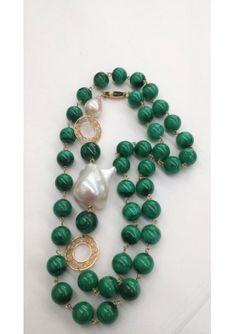 Beaded Jewelry, Jewelry Necklaces, Beaded Necklace, Beaded Bracelets, Malachite Jewelry, Baroque, Turquoise Bracelet, Chokers, Chanel
