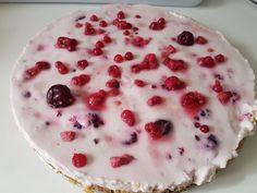 Diétás sütemény recept: Joghurtos kekszes gyümölcsös torta! Cukormentes, nagyon könnyed. Kattints a receptért! Stevia, Pancakes, Pudding, Breakfast, Desserts, Food, Yogurt, Morning Coffee, Tailgate Desserts