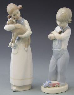 TWO PORCELAIN LLADRO FIGURES BOY AND GIRL : Lot 47258